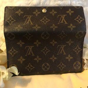 Louis Vuitton Bags - AUTHENTIC LOUIS VUITTON INTERNATIONAL MONOG WALLET